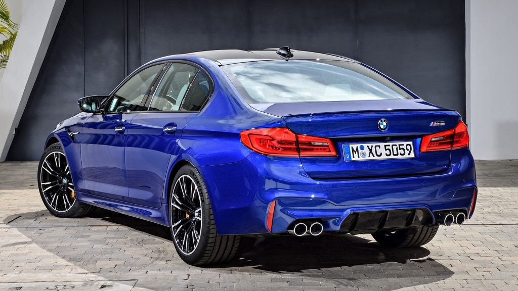 BMW M5 Full HD Wallpaper