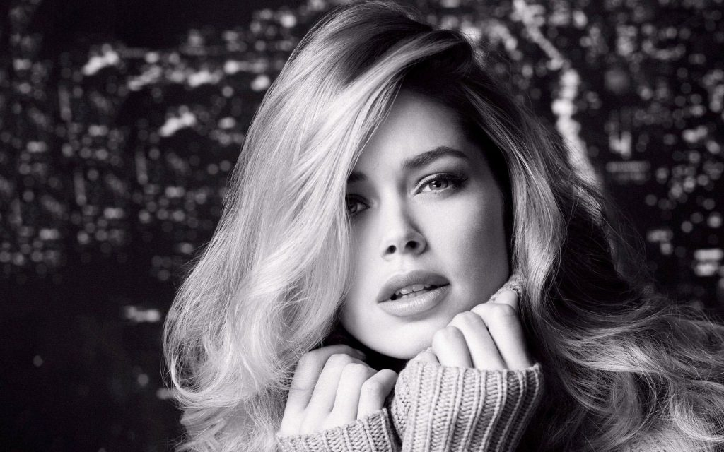 Doutzen Kroes Widescreen Background