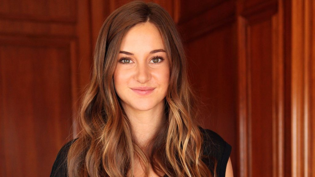 Shailene Woodley Full HD Wallpaper