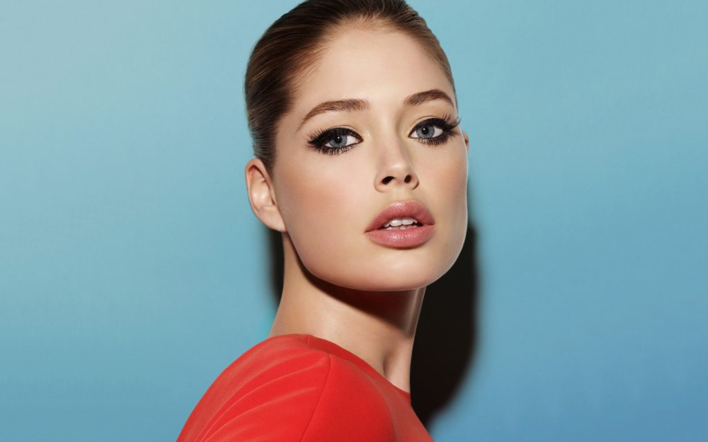 Doutzen Kroes HD Widescreen Wallpaper
