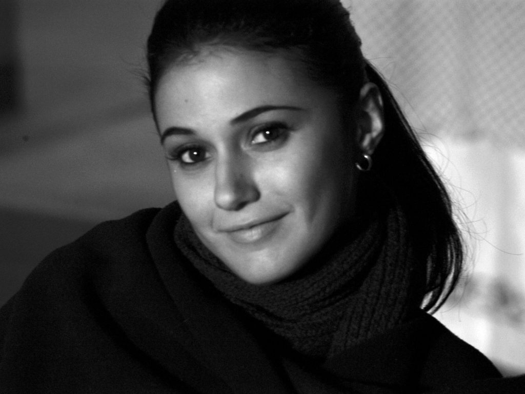 Emmanuelle Chriqui Background