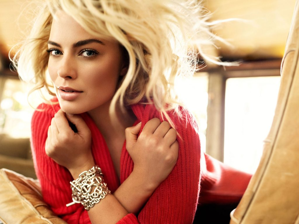 Margot Robbie Background