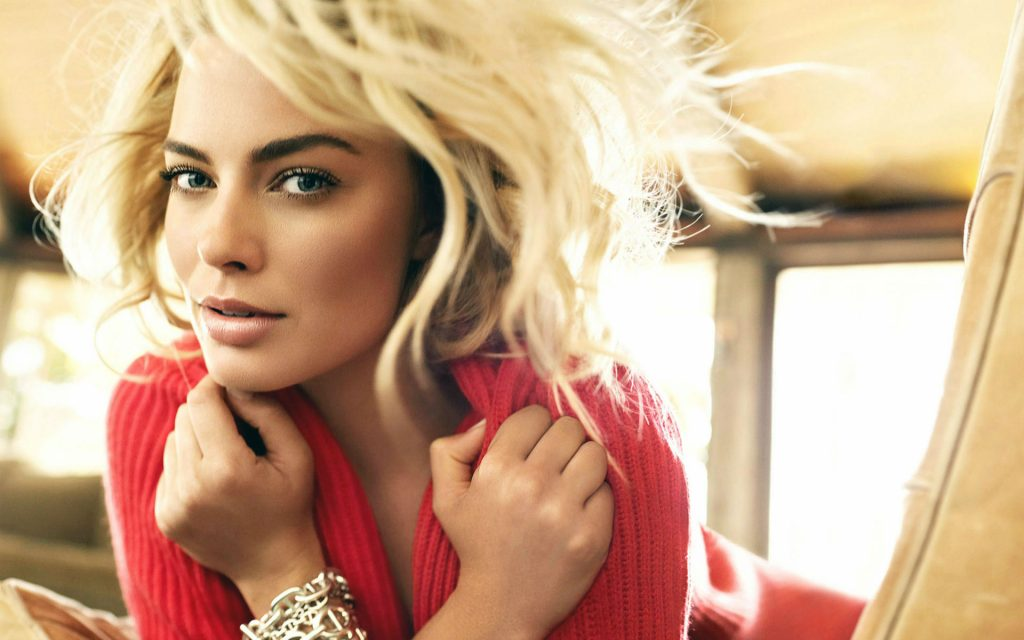 Margot Robbie Widescreen Wallpaper