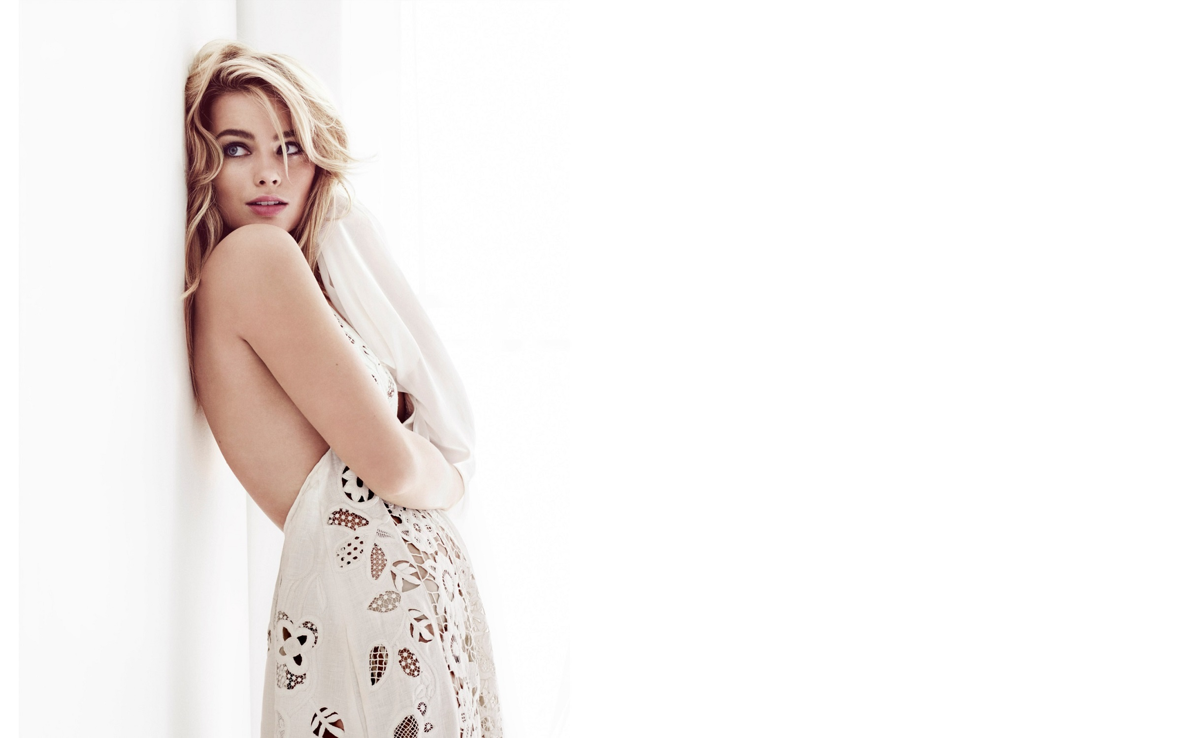688d0dbb4b Margot Robbie Wallpapers