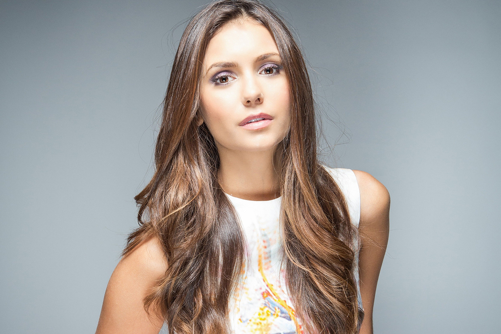 Nina Dobrev Celebrity Wallpaper Pictures