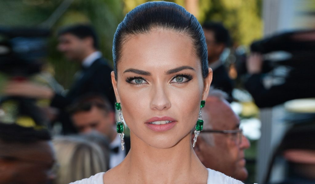 Adriana Lima HD Wallpaper