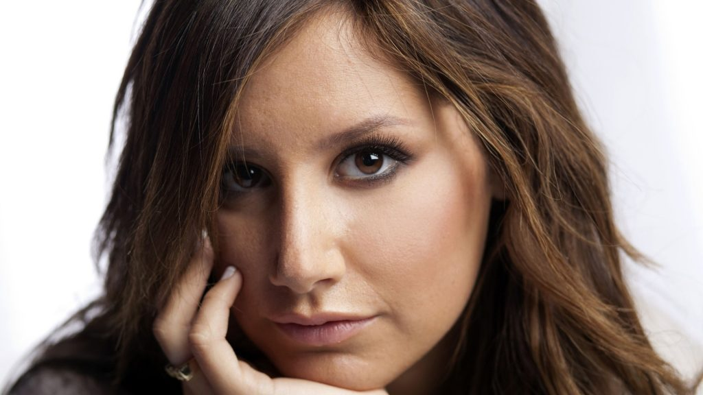 Ashley Tisdale Full HD Wallpaper