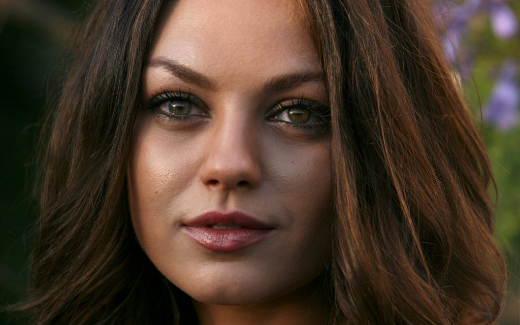Mila Kunis Widescreen Background