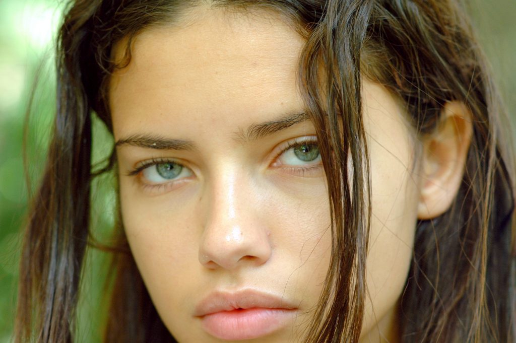 Adriana Lima HD Background