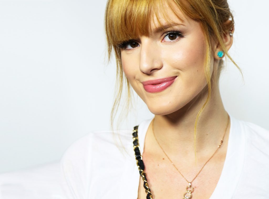 Bella Thorne Wallpaper