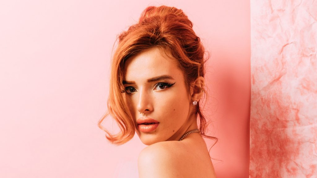 Bella Thorne Quad HD Wallpaper