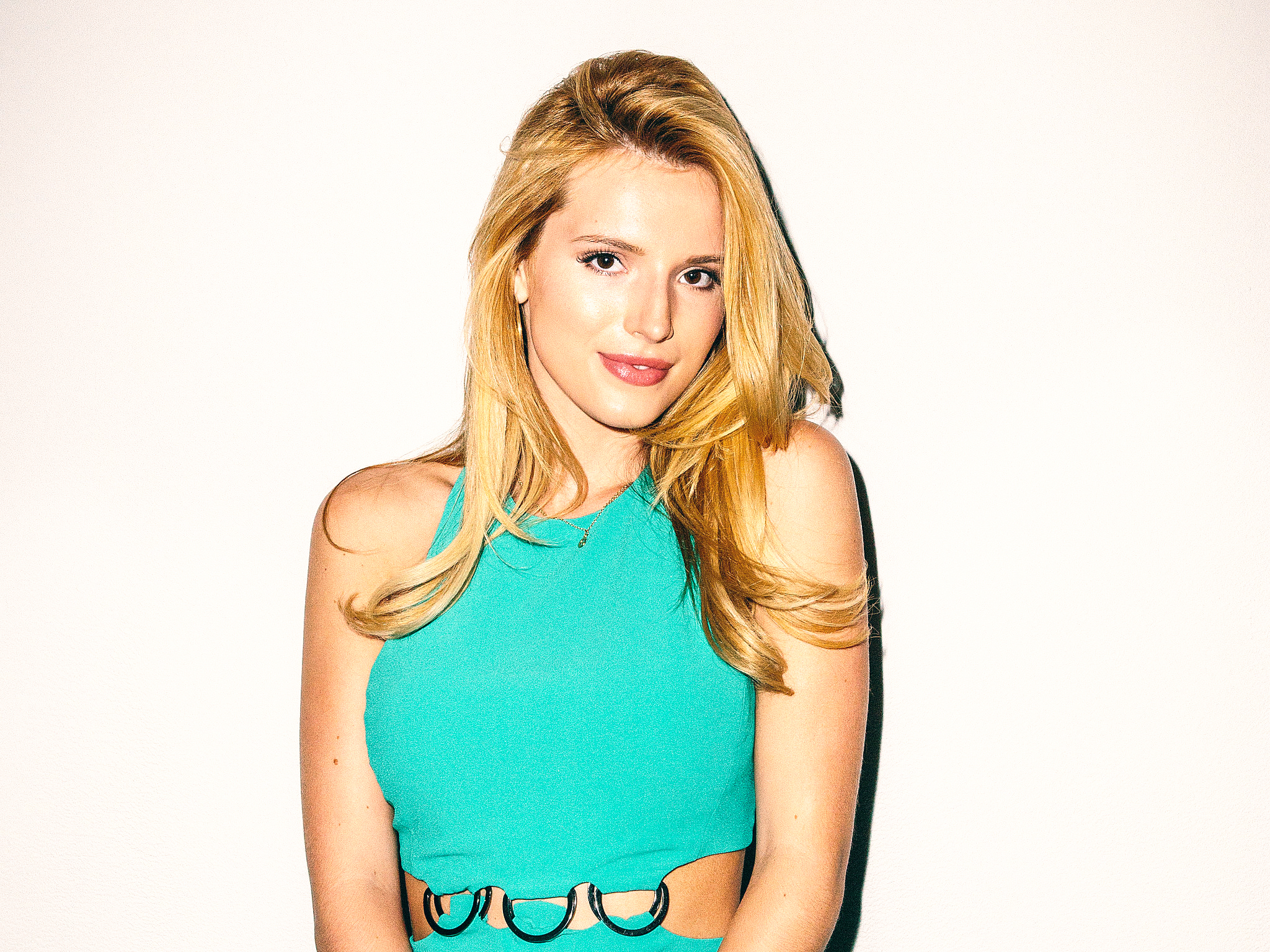 Bella thorne wallpapers pictures images - Bella thorne wallpaper ...