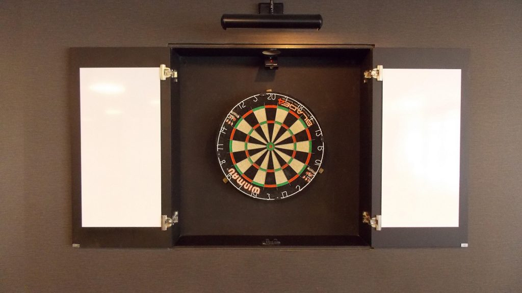 Darts Full HD Wallpaper