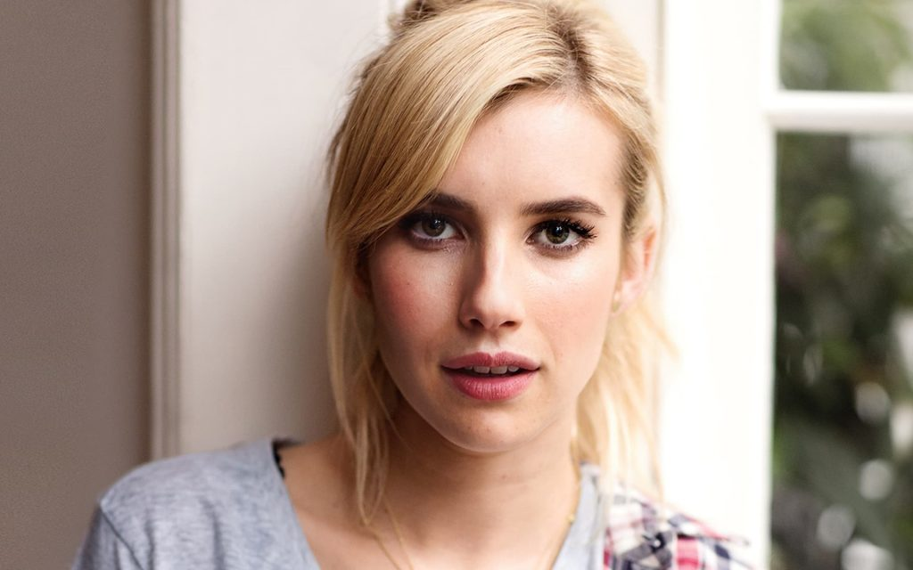 Emma Roberts Widescreen Background