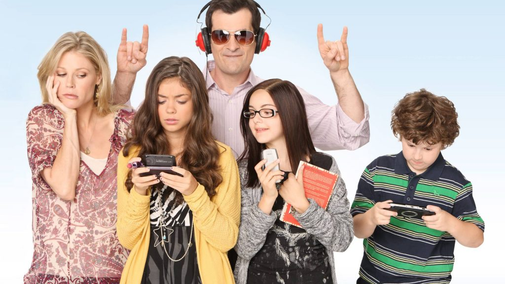 Modern Family Full HD Background