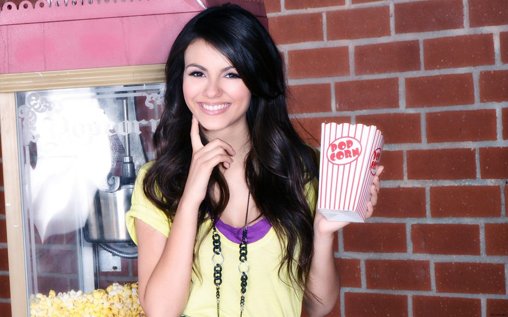 Victoria Justice HD Widescreen Wallpaper