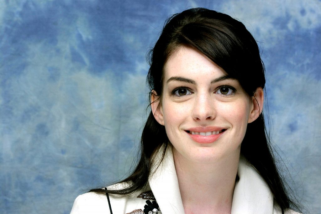 Anne Hathaway Background