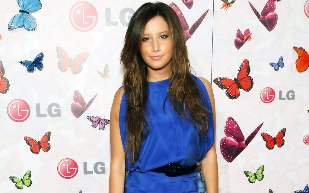 Ashley Tisdale Widescreen Background