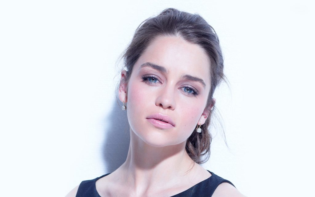 Emilia Clarke Widescreen Background