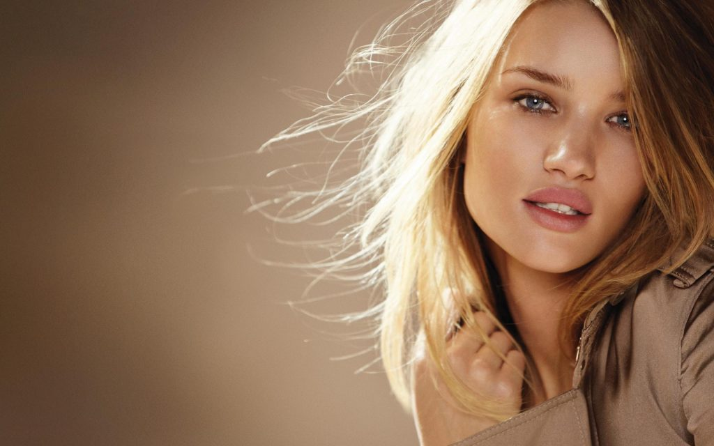 Rosie Huntington-Whiteley Widescreen Wallpaper