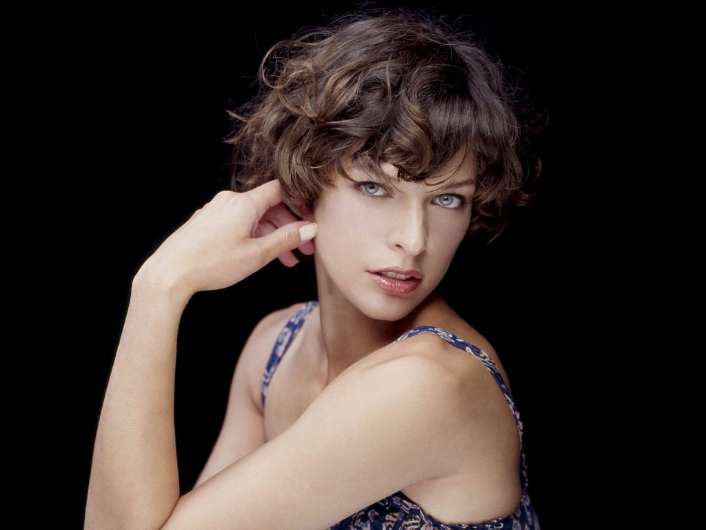 Milla Jovovich HD Wallpaper