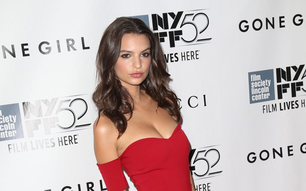 Emily Ratajkowski Widescreen Wallpaper