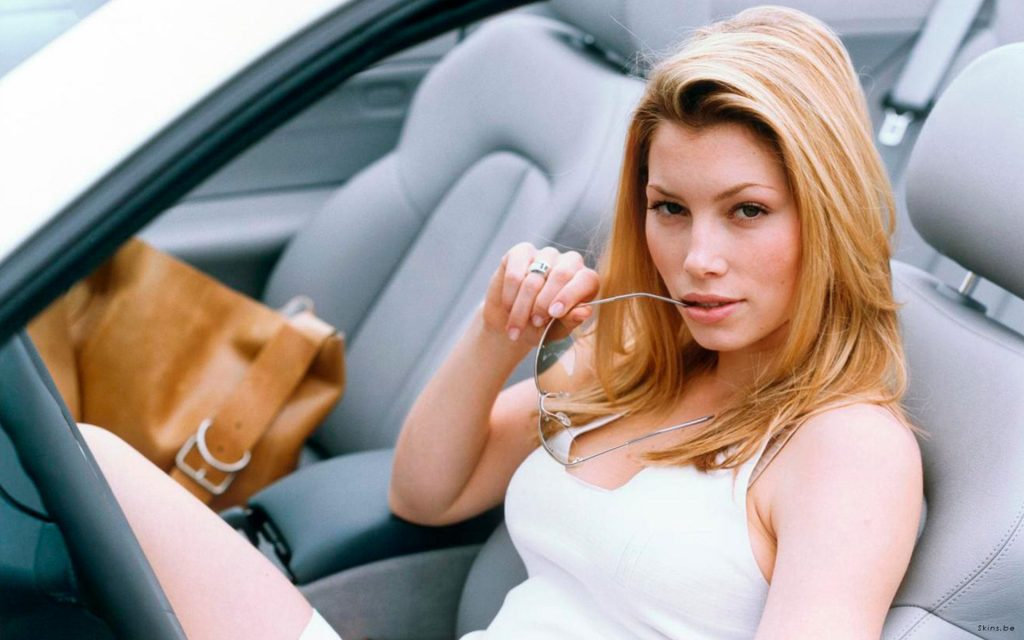 Jessica Biel HD Widescreen Background