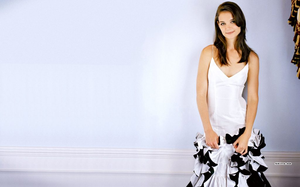 Katie Holmes Widescreen Background