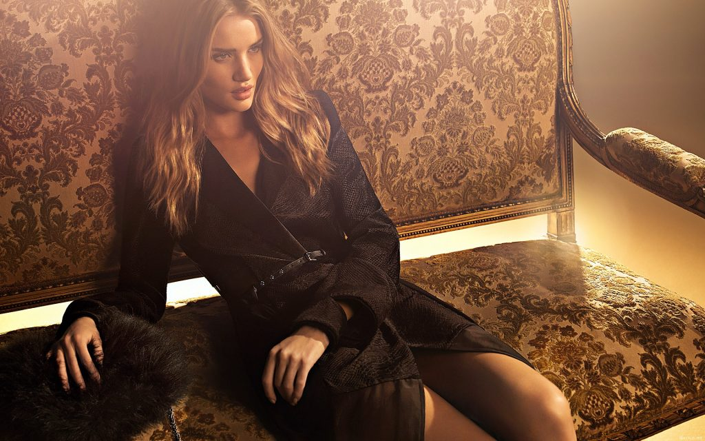 Rosie Huntington-Whiteley Widescreen Background