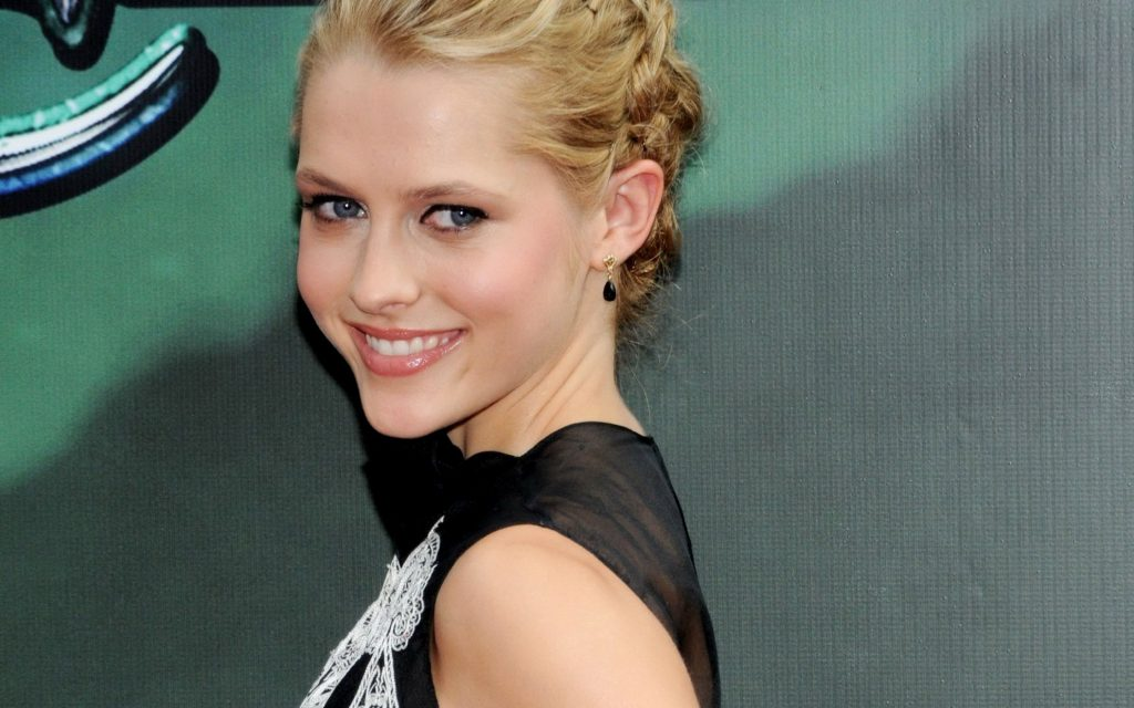 Teresa Palmer Widescreen Background