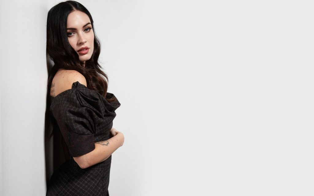 Megan Fox HD Widescreen Wallpaper