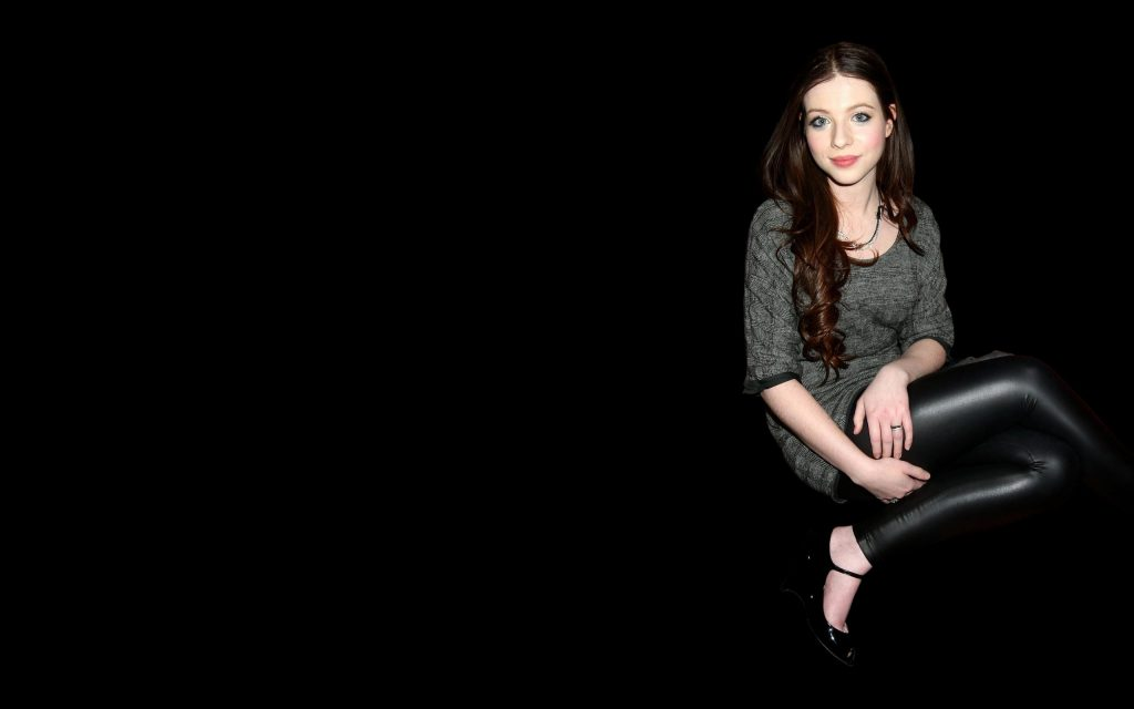 Michelle Trachtenberg HD Widescreen Wallpaper