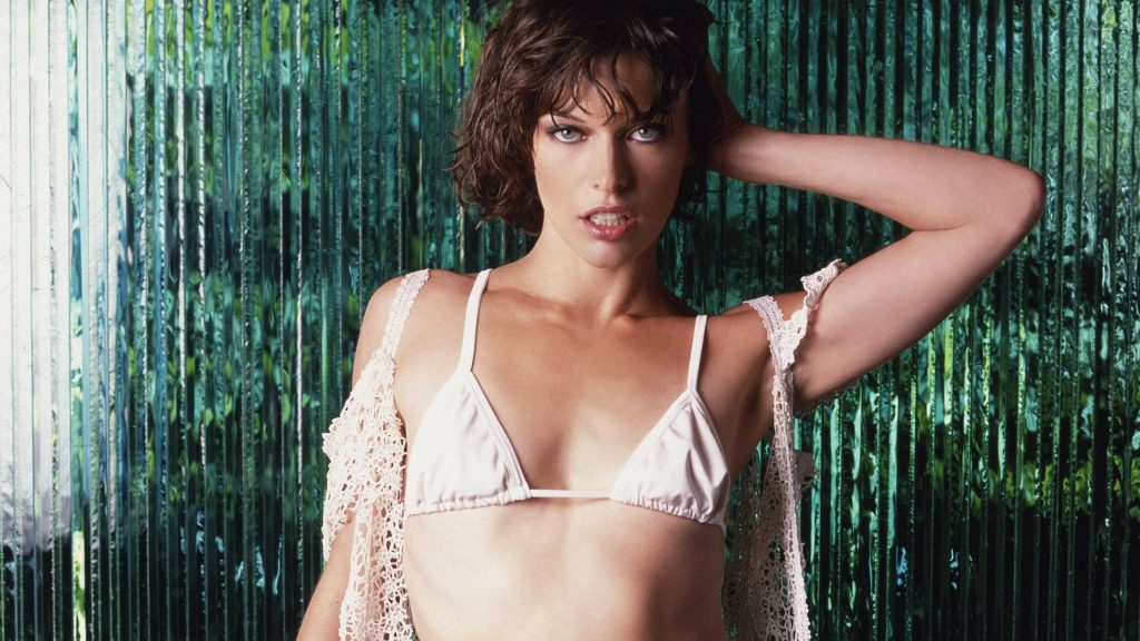 Milla Jovovich HD Quad HD Background