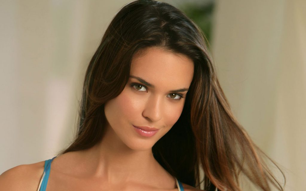 Odette Annable Widescreen Wallpaper