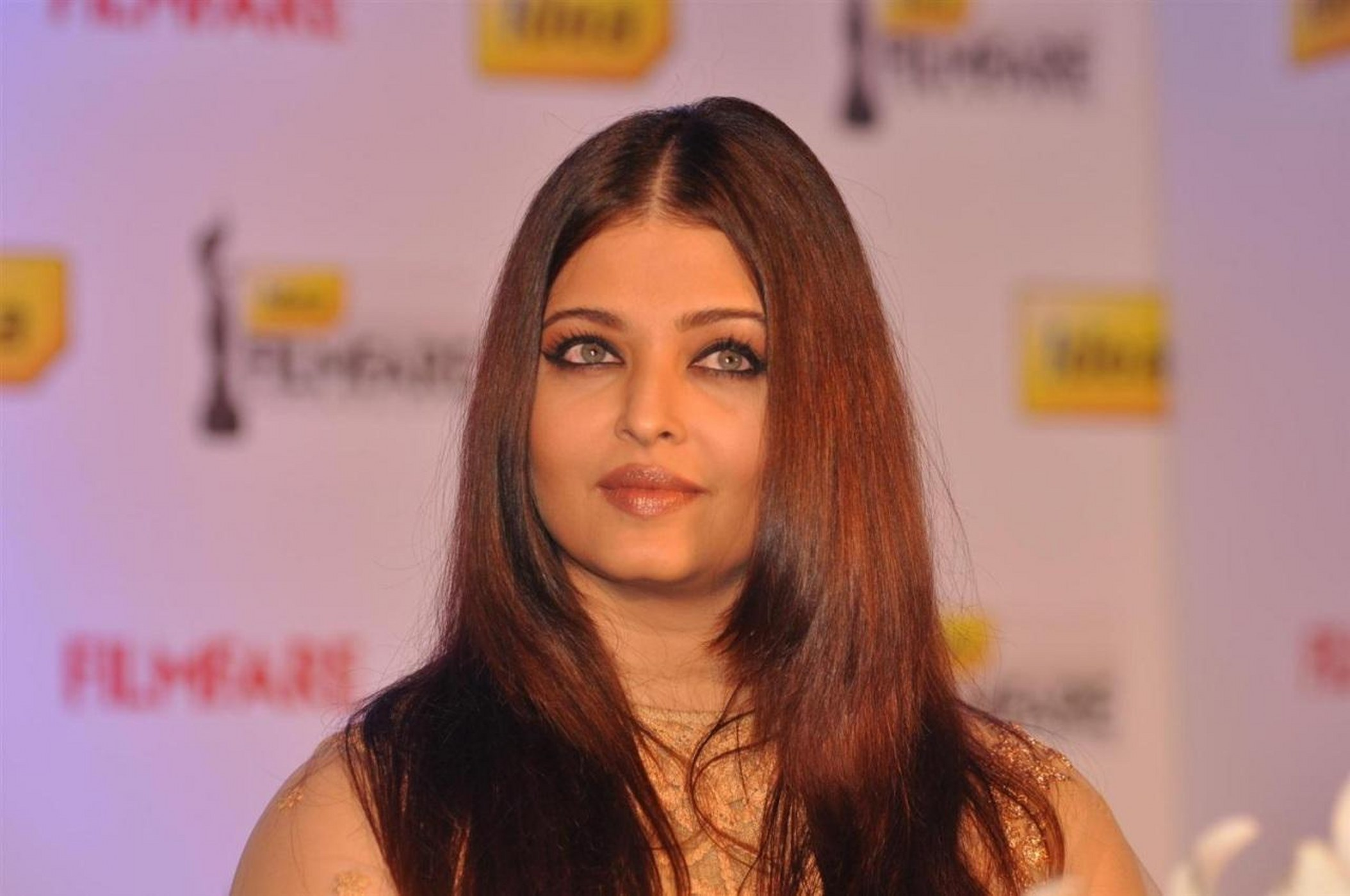 Aishwarya Rai HD Wallpapers, Pictures, Images