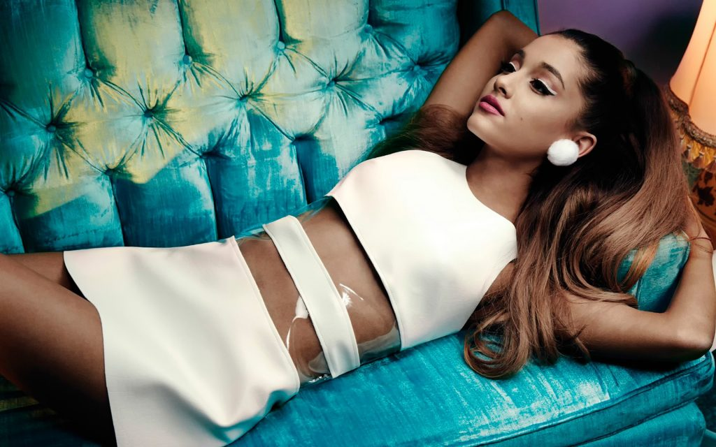 Ariana Grande HD Widescreen Wallpaper
