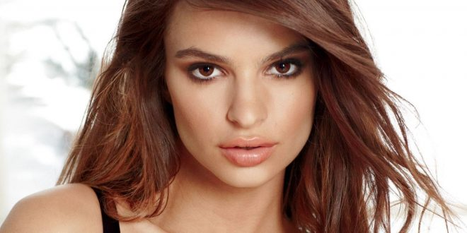 Emily Ratajkowski Backgrounds