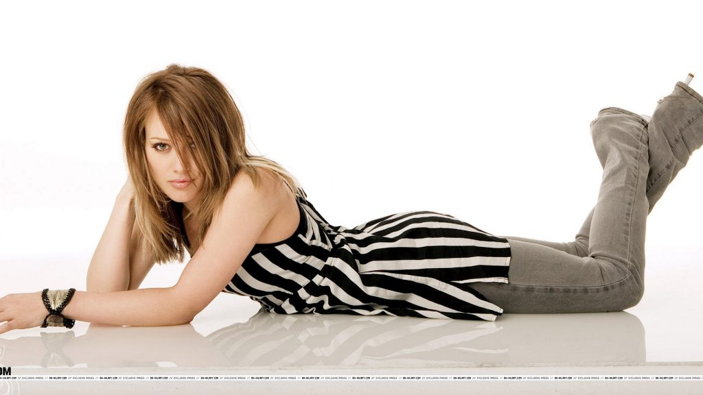 Hilary Duff Full HD Wallpaper