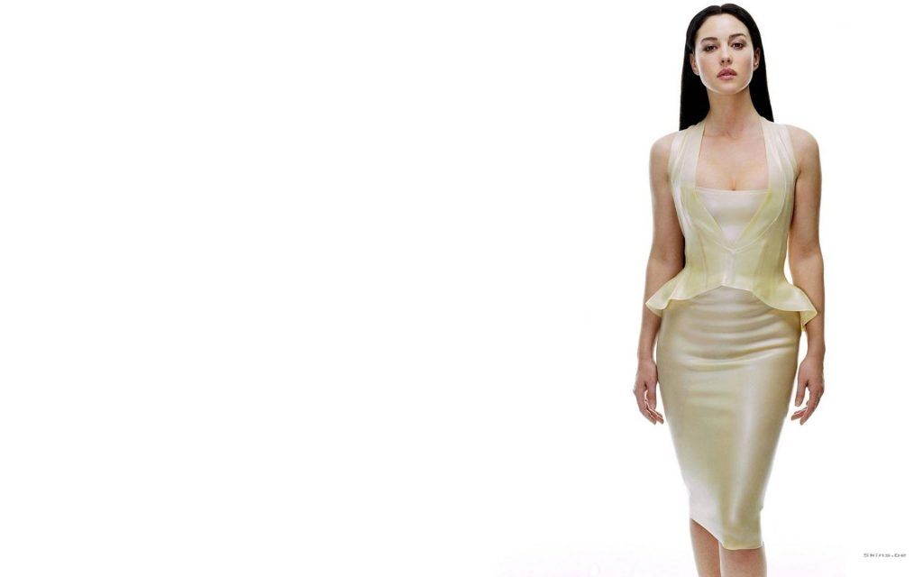 Monica Bellucci HD Widescreen Wallpaper