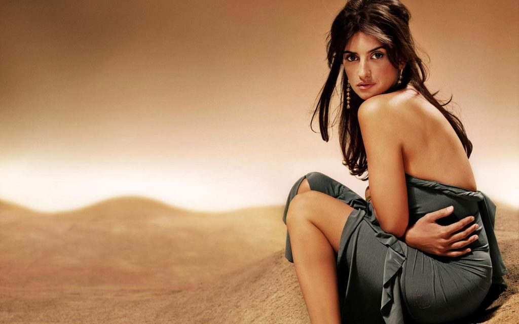 Penelope Cruz HD Widescreen Background