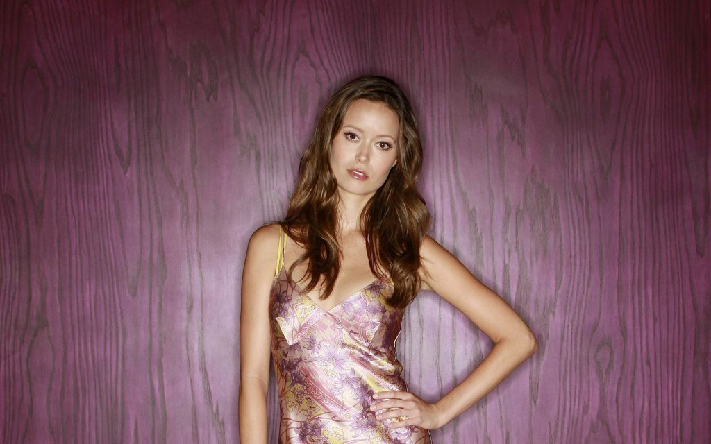 Summer Glau HD Widescreen Wallpaper