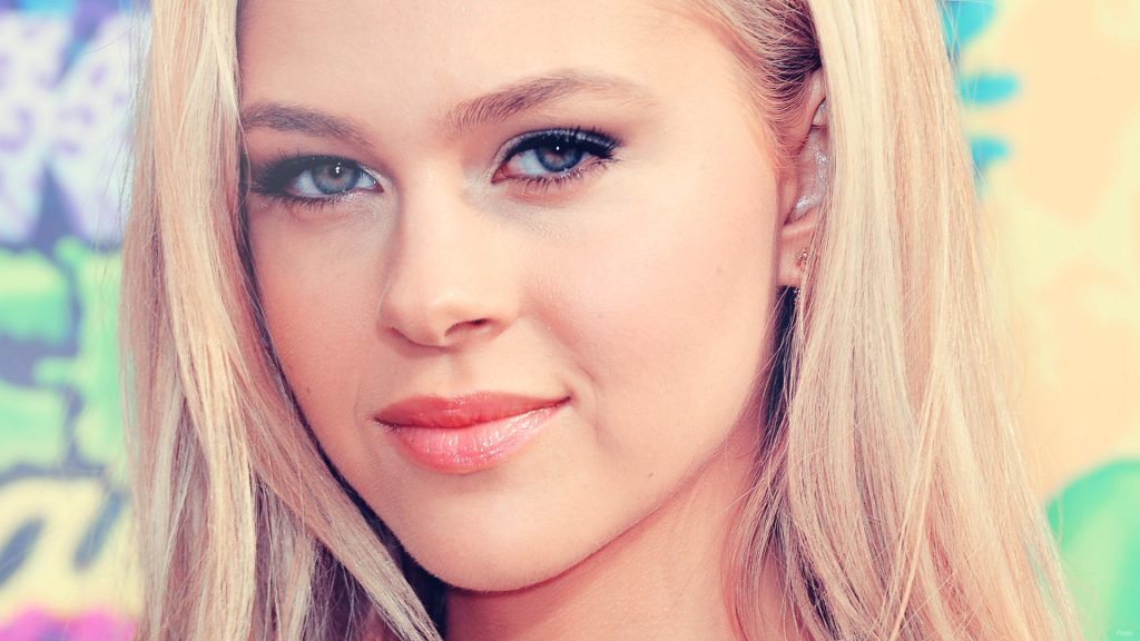 Nicola Peltz Full HD Wallpaper