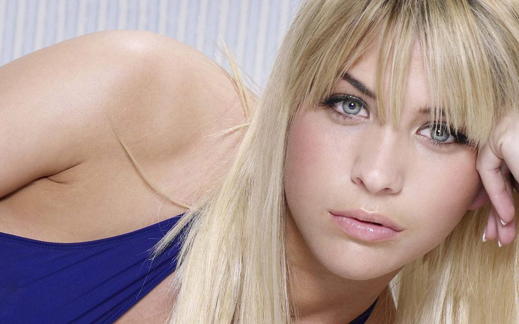 Gemma Atkinson Widescreen Background