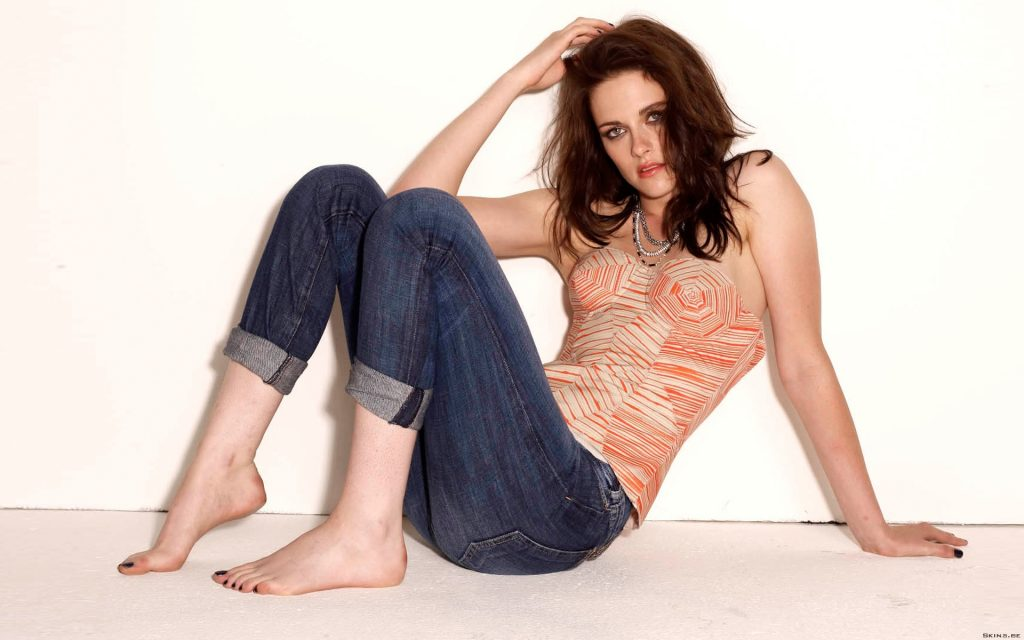 Kristen Stewart Widescreen Background