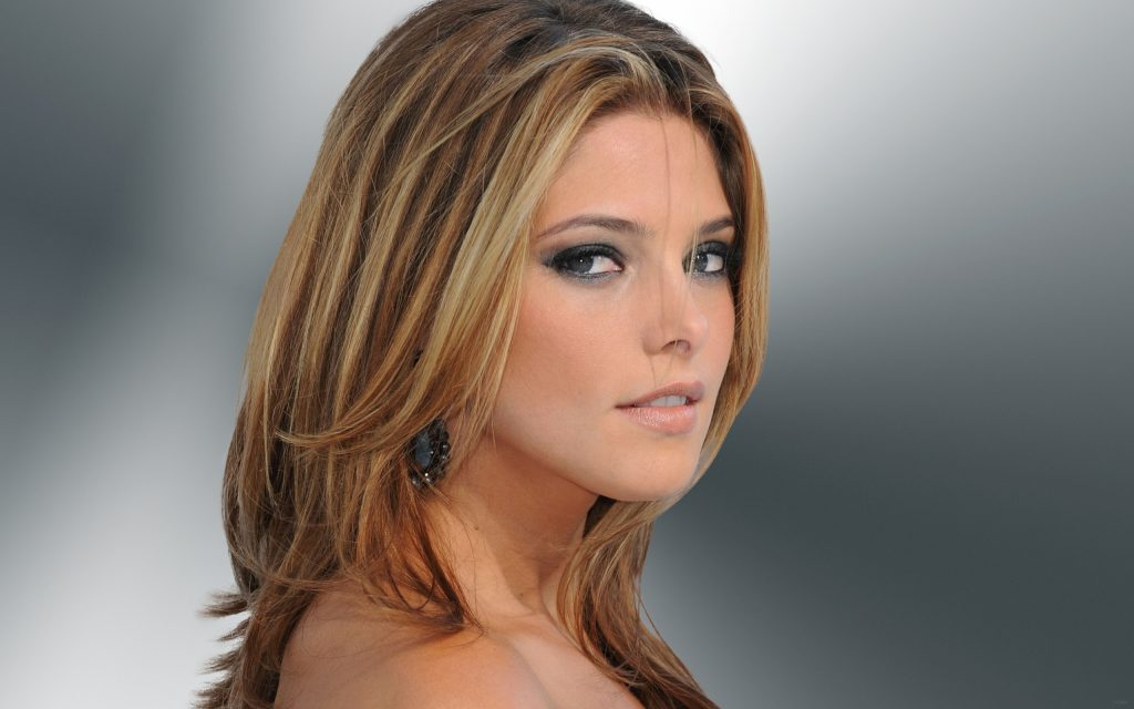 Ashley Greene Widescreen Background