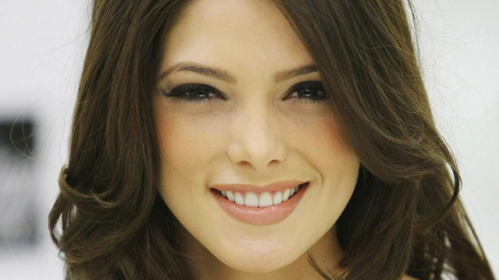 Ashley Greene Full HD Background