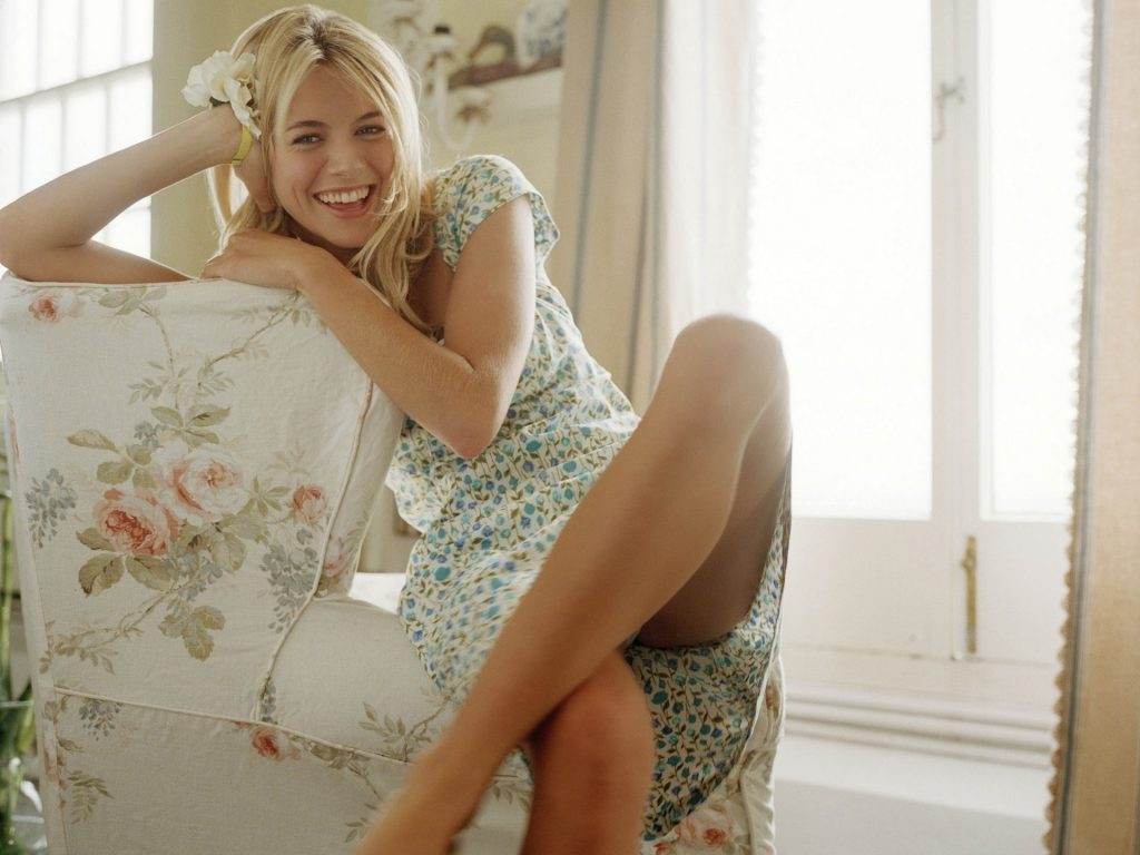 Sienna Miller HD Wallpaper