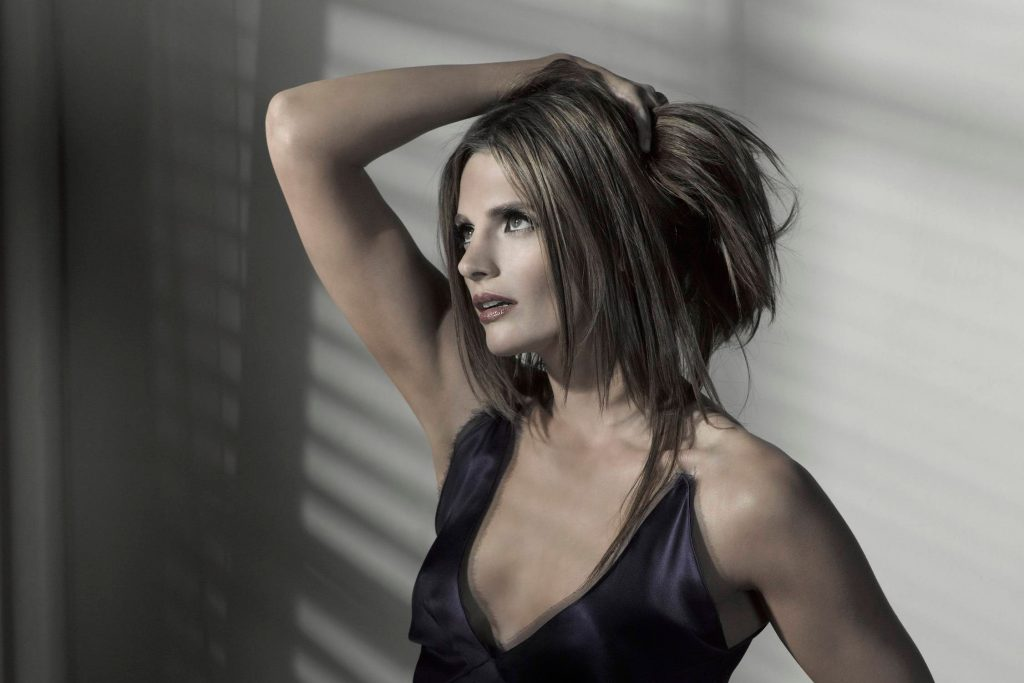 Stana Katic Wallpaper
