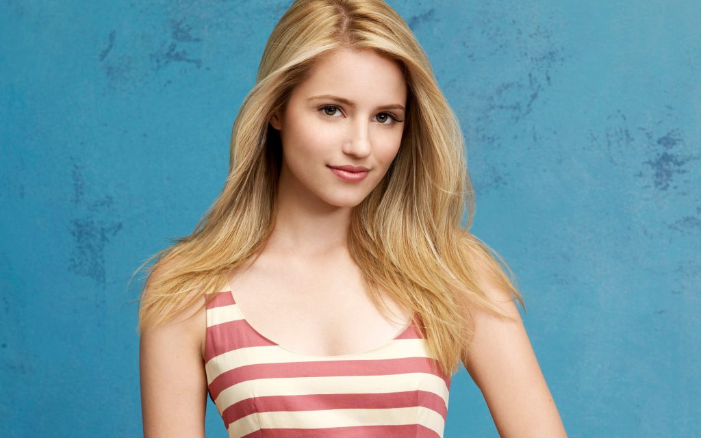 Dianna Agron Widescreen Background