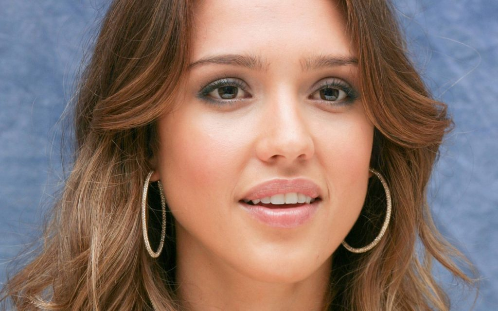 Jessica Alba Widescreen Background